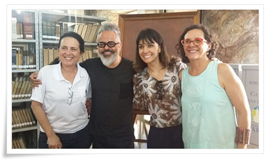 estilistaEspecialista em gastronomia e chef de cozinha do Caraça, Vani Pedrosa recebe o estilista no Caraça e representantes do SENAC e Pref. de Caeté.