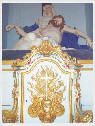No Sacrário, adoramos Cristo Jesus ressuscitado, vencedor da morte, senhor da história e nossa vida.